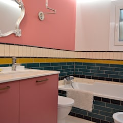 Interior remodelling :  Bathroom by Fernandez Architecture