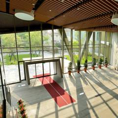 Janelas   por 綠野國際建築師事務所