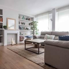 : scandinavian Living room by Espacio Sutil