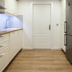 : scandinavian Kitchen by Espacio Sutil