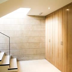 Escuelas de estilo  por navarro+vicedo arquitectura