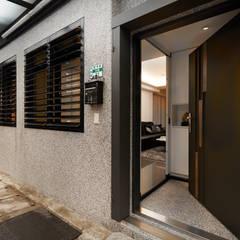 Bungalows by 弘悅國際室內裝修有限公司, Asian Concrete