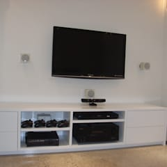 basement conversions:  Media room by Style Within