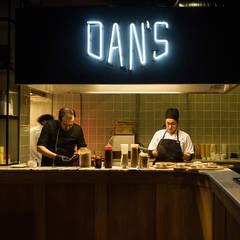 DAN'S FINGERFOOD & DRINKS: Espaços de restauração  por StudioCAN