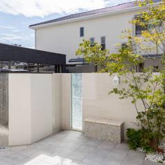 デザインウォール: 株式会社 岡本ガーデンが手掛けた庭です。