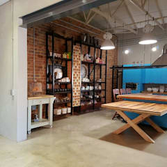 Residential Magaliesburg SA - Industrial Kitchen:  Kitchen by HEID Interior Design, Industrial Wood Wood effect