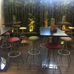 Telas para Tapizar sillas - Restaurante Aeropuerto Guadalajara: Restaurantes de estilo  por EASYDEKOR Textiles de alto rendimiento