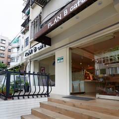 Restaurantes de estilo  por 弘悅國際室內裝修有限公司