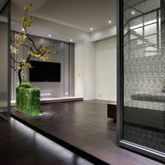 غرفة الميديا تنفيذ 夏川空間設計工作室