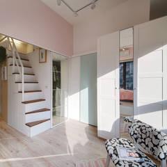 Ruang Ganti by 一葉藍朵設計家飾所 A Lentil Design