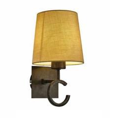 Arandela Mantra Argi Lamp. 1 LED 12W Cúpula Bege Metal Envelhecido: Salas de estar  por Luminosità - La lucce Della Vita