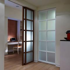 توسط 弘悅國際室內裝修有限公司 کانتری شیشه