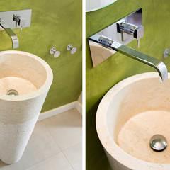 Casa en Sant Pau d'Ordal: Baños de estilo  de Silvia R. Mallafré