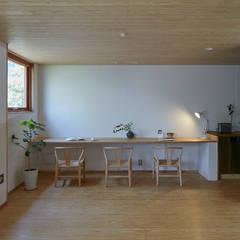 でんホーム鳥飼モデルハウス: でんホーム株式会社が手掛けた書斎です。