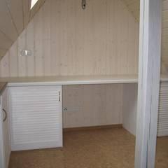 Dachbodenausbau nach Wunsch:  Wände von Parkett Kessel