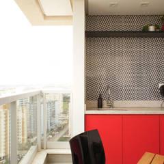 Varanda gourmet: Terraços  por Lelalo - arquitetura e design
