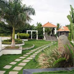Dhanturi Farm House:  Garden by iammies Landscapes