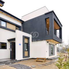 강릉 유천동 : 코원하우스의  주택
