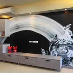 台南市永康透天設計:  嬰兒房/兒童房 by 澤田工程/留名堂室內設計