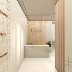 Clinics by Gabriela A Arévalo - Arquitetura Urbanismo e Interiores, Modern
