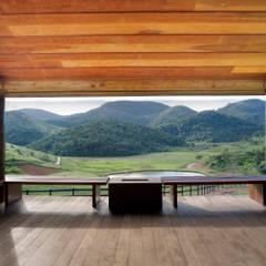 Terrazas de estilo  por Gisele Taranto Arquitetura