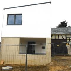 Scheunensanierung + Revitalisierung eines Eifelhofes | Neubau EFH:  Häuser von pickartzarchitektur