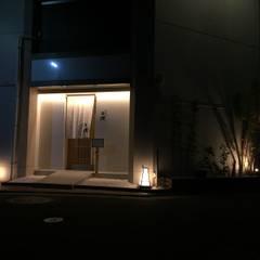 店舗外観: 空間設計カラー店舗設計事務所が手掛けたレストランです。