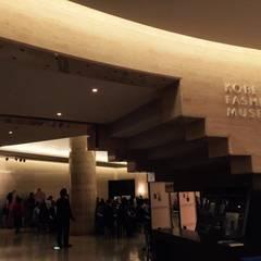 神戸ファッション美術館: 空間設計カラー店舗設計事務所が手掛けた美術館・博物館です。,モダン