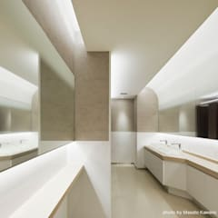 Centros de exhibiciones de estilo  por 藤村デザインスタジオ / FUJIMURA DESIGIN STUDIO