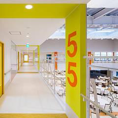 寝ても・起きてもワクワク、子供の遊び場: 株式会社小木野貴光アトリエ 級建築士事務所が手掛けた学校です。