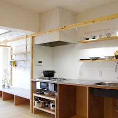 Casas de estilo  por ピークスタジオ一級建築士事務所