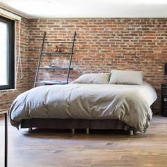 : Dormitorios de estilo  por RENOarq