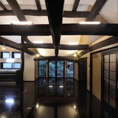 ダイニング・リビング: 株式会社ラウムアソシエイツ一級建築士事務所が手掛けたダイニングです。