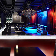 Motion Blue Jakarta: 水谷壮市が手掛けたバー & クラブです。