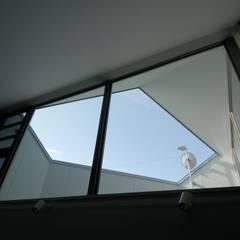 高円寺の住宅: 株式会社ラウムアソシエイツ一級建築士事務所が手掛けたテラス・ベランダです。