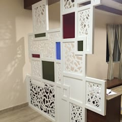 Partition:  Living room by Vedasri Siddamsetty,Modern