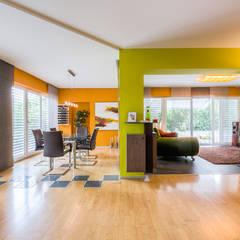 Bestehendes neu aufgemöbelt: ausgefallene Esszimmer von Horst Steiner Innenarchitektur