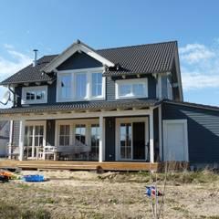 Blick auf Holzhaus Charleston:  Häuser von Skan-Hus Projekt GmbH