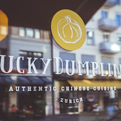 Das Corporate Design des Restaurants Lucky Dumpling, Zürich:  Gastronomie von The Harrison Spirit
