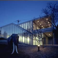 壱岐文化ホールから見る夜景: 株式会社ラウムアソシエイツ一級建築士事務所が手掛けた美術館・博物館です。