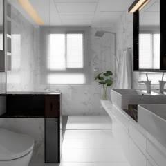 H之所在 H house:  浴室 by 禾築國際設計Herzu  Interior Design