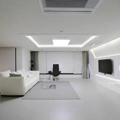 modern Living room by 남다른디자인