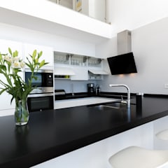 Kitchen by Home & Haus | Home Staging & Fotografía