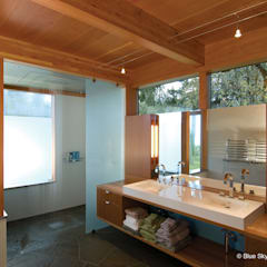 :  Bathroom by Helliwell + Smith • Blue Sky Architecture,