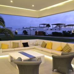 Casa de Playa NB: Terrazas de estilo  por DMS Arquitectas, Moderno