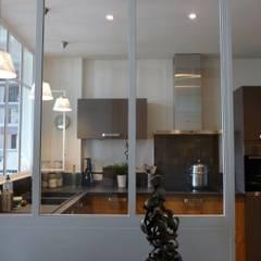 Rénovation cuisine 5ème Lyon: Cuisine de style  par LSAI