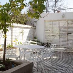 Modern terrace by RENOarq Modern