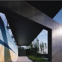 ゲートモヴェエチアンザイク壁画: 株式会社ラウムアソシエイツ一級建築士事務所が手掛けた美術館・博物館です。