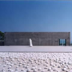 エントランス正面: 株式会社ラウムアソシエイツ一級建築士事務所が手掛けた美術館・博物館です。