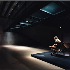 展示室1・ブリッジ下: 株式会社ラウムアソシエイツ一級建築士事務所が手掛けた美術館・博物館です。